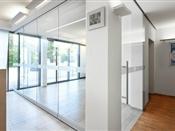 sistemas de vidrio y control de puertas