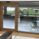 puerta corredera vidrio y madera