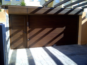 Puertas acceso exterior
